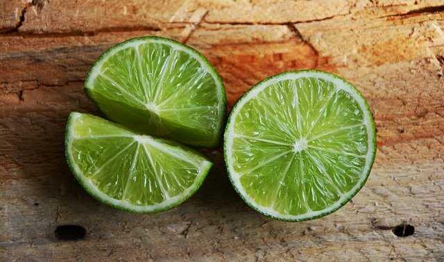 Vitamin C là một trong các loại vitamin đẹp da thông dụng