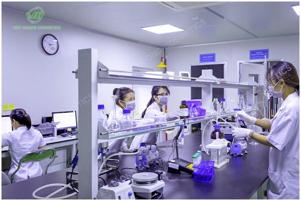 Nghiên cứu và phát triển là bước quan trọng của quy trình gia công mỹ phẩm