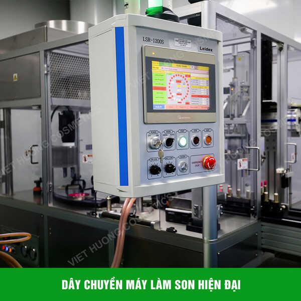ISO 22716 giúp doanh nghiệp quản lý quá trình sản xuất mỹ phẩm chặt chẽ.