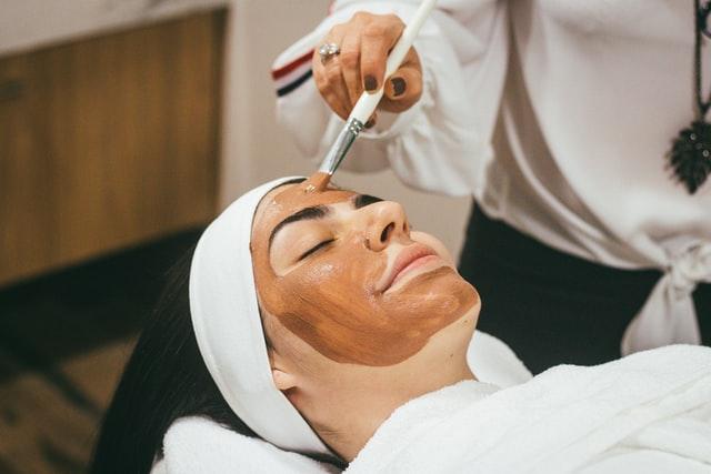 Phụ nữ 30 tuổi nên dùng kem dưỡng da gì để làn da luôn tươi trẻ