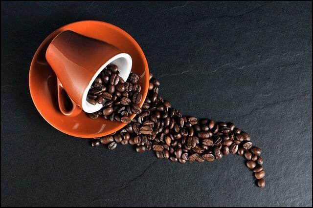 Cafe có caffein không tốt cho người da mụn