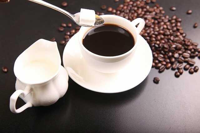 Các thành phần uống cùng cafe không tốt cho da