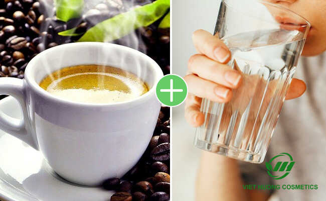 Uống cafe cần uống nhiều nước